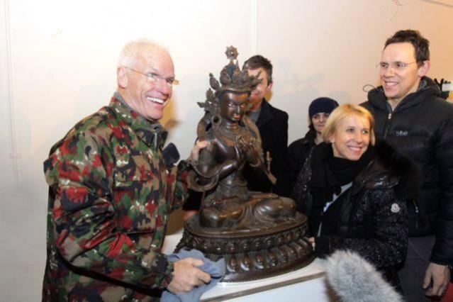 Lama Ole, Caty y Steve en nuevo centro budista en Londres