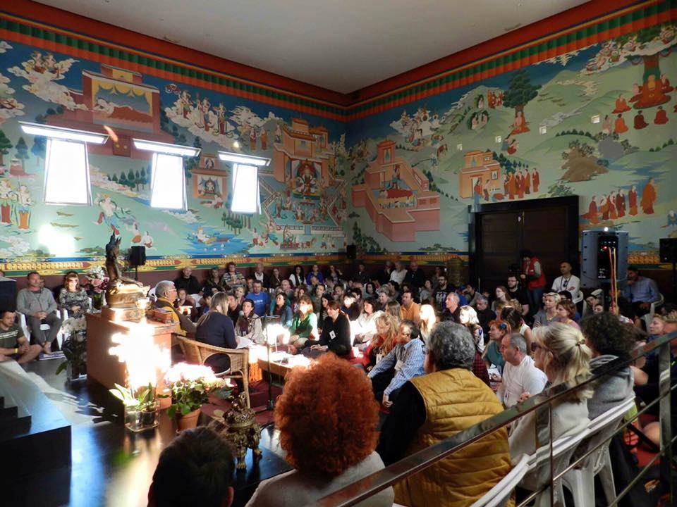 Charla pública en Stupa